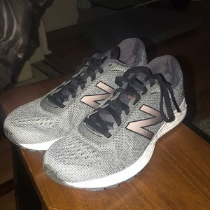 New Balance Sneakers barely worn
